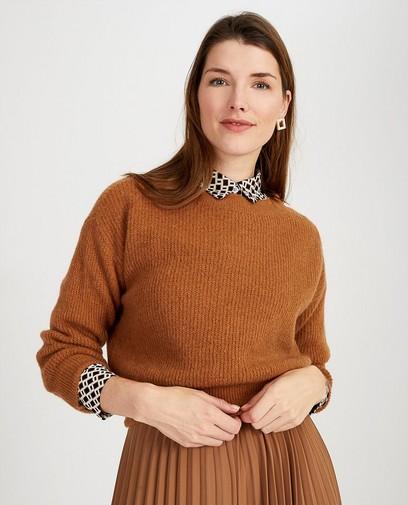 Pull brun en fin tricot