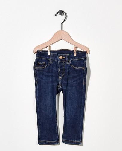 Jeans bleu foncé avec du stretch