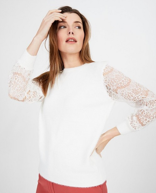 Truien - Witte trui met kanten detail