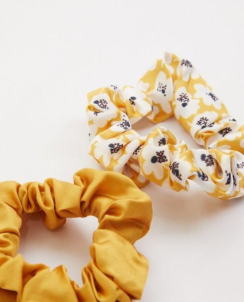 Breigoed - Set van 2 gele scrunchies