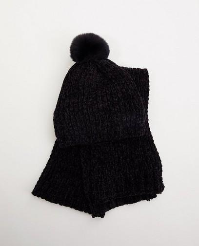 Set van zwarte sjaal en muts