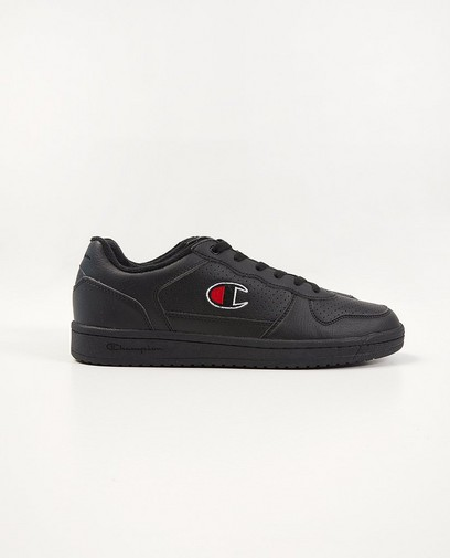 Zwarte sneakers, Champion