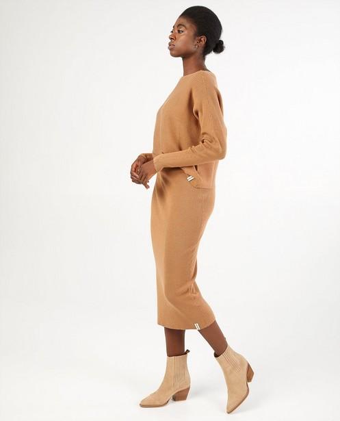 Jupe brune en tricot - près du corps - Familystories