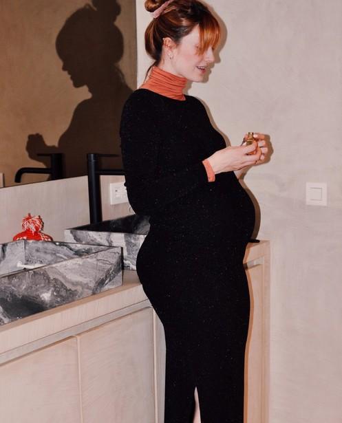 Aansluitende zwarte jurk JoliRonde - zwangerschap - Joli Ronde