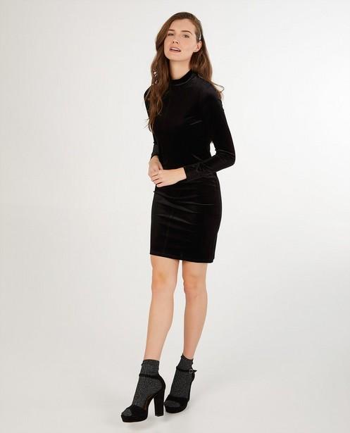 Fluwelen jurk in zwart Sora - effen - Sora