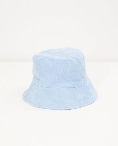Chapeau bleu clair en velours côtelé