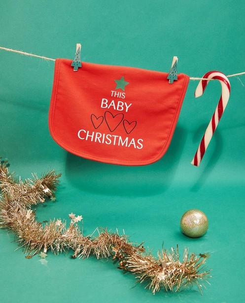 Rood kerstslabbetje met opschrift - met velcrosluiting - Familystories