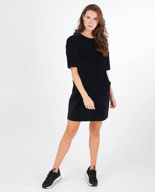 Zwarte jurk Froy en Dind - van ribfluweel - Froy en Dind