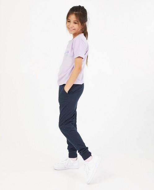 T-shirt lilas avec une inscription BESTies - stretch - Besties