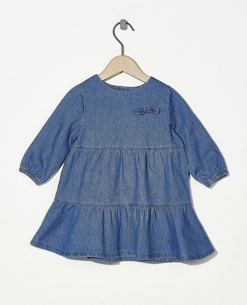 Chambray jurk met strikje - in blauw - Cuddles and Smiles