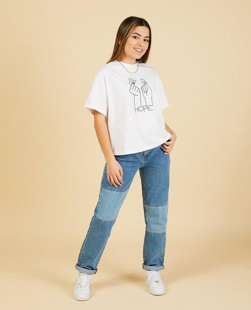 Wit T-shirt met print Nour en Fatma - cropped - Nour en Fatma