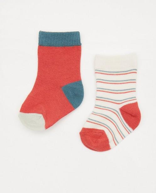 Ensemble de 2 paires de chaussettes pour bébés - blanches et rouges - Newborn