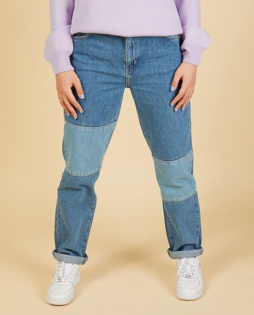 Mom jeans met mixed denim Nour en Fatma - licht- en donkerblauw - Nour en Fatma