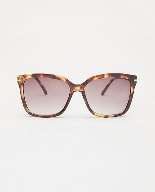 Bruine zonnebril met print - met kunststof montuur - JBC