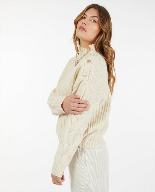 Truien - Offwhite trui met gebreid patroon