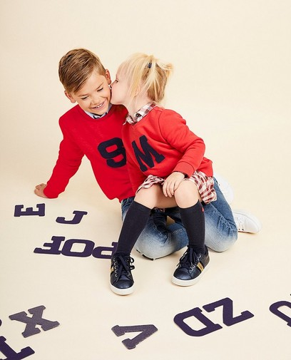 Erstelle deinen eigenen Buchstaben-Sweater für  € 14,95