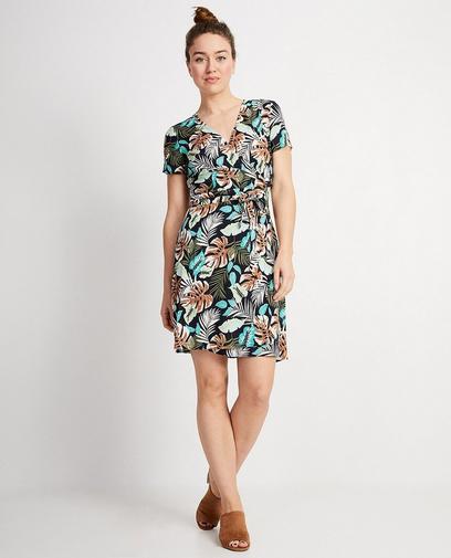 Les robes cache-cœur sont très tendance cette année!